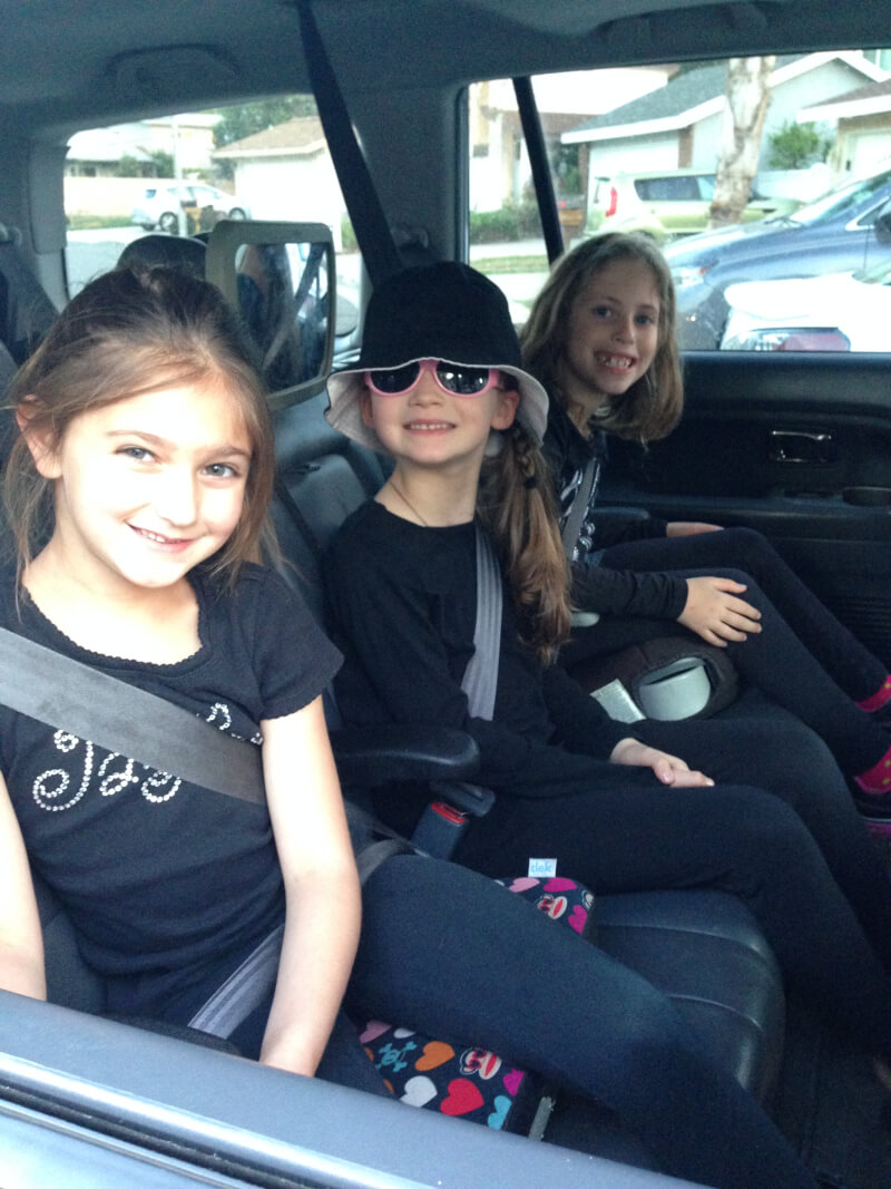 One suprising benefit of carpooling is having someone to help you when you get in a bind! For more reasons, click the link. www.coffeeandcarpool.com