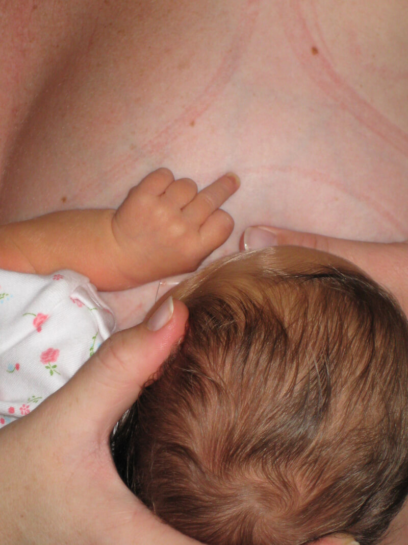 Even at the ripe old age of 1 month, my daughter was putting her middle finger up while I breastfed her. Nursing was painful for me and not enjoyable for her. We spent most of our time crying through each feeding time. Here's what got me to finally stop breastfeeding. www.coffeeandcarpool.com