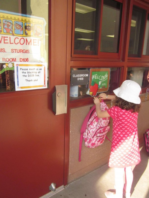Have your child meet the teacher before school starts to ease the transition! www.coffeeandcarpool.com