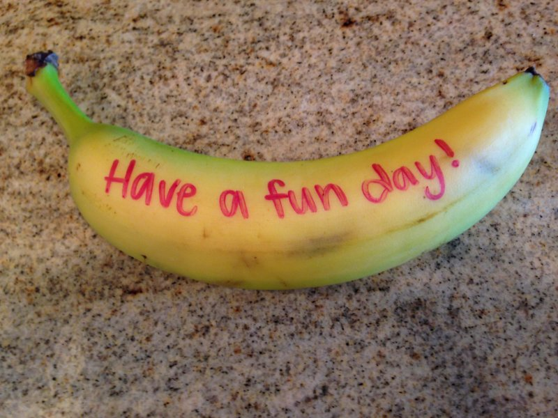 Need a quick and easy way to make sure your kids know you love them? Try writing them a love note...even if it's on a banana. www.coffeeandcarpool.com