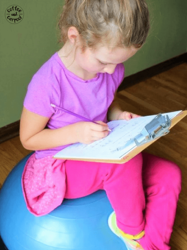 How to help kindergartners do homework with these 10 tips without tears and complaints #homeworkhelp #homeworktips #homework #kindergartentips #kindergartnertips #kinderhomework