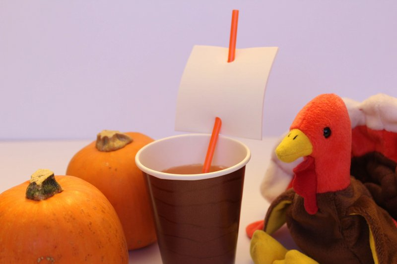 Thanksgiving Craft that kids can use at the Thanksgiving table...Mayflower Cups. Get instructions at www.coffeeandcarpool.com