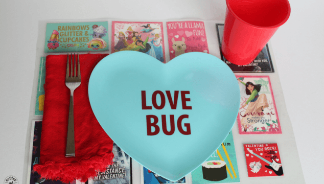 Valentine's Day Craft that reuses your kids valentines day cards from school #valentinesdaycrafts #valentinesday #valentinesdaycraftforkids