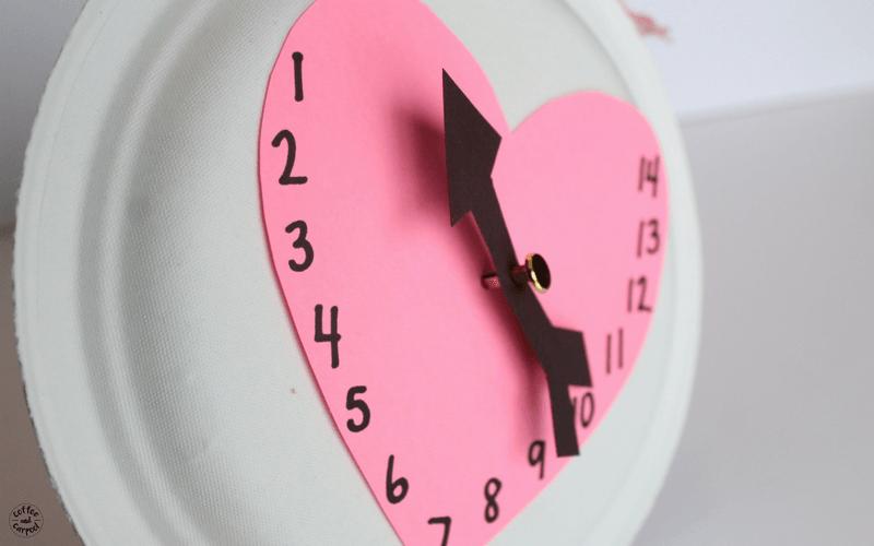 Valentine's Day Countdown Calendar Craft #valentinesdaycraft