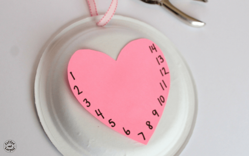Valentine's Day Countdown Clock to help get kids excited for Valentine's Day #valentinesday