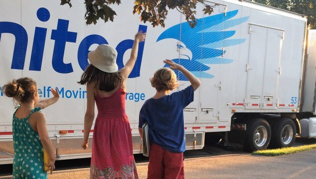 Planning a big move with kids? Help them prepare emotionally with these 21 tips and tricks. #movingwithkids #movewithkids #moving