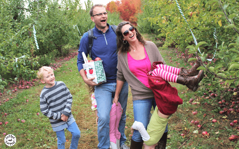 Connect more with your family by using a bucket list and doing seasonal activities like apple picking #familydatenight #familydateideas #summerfun #staycation #familybucketlist #coffeeandcarpool