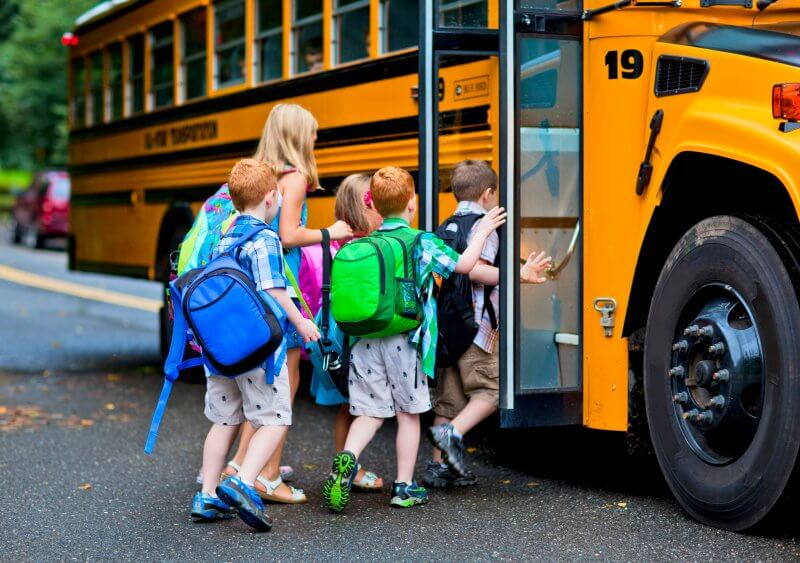 10 things your kids need to know to help their classmates with food allergies stay safe at school #foodallergies #foodallergy #foodallergymamas #foodallergymom #fare #foodallergyawareness