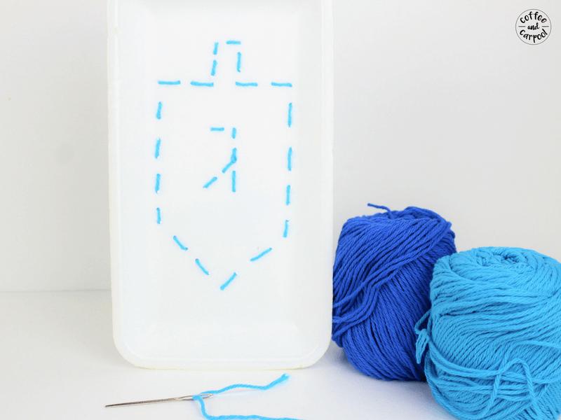 Teach your kids how to sew with this hanukkah dreidel sewing craft #hanukkahcraft #dreidelcraft #sewingproject #coffeeandcarpool #Hanukkah #Hanukkahcraft