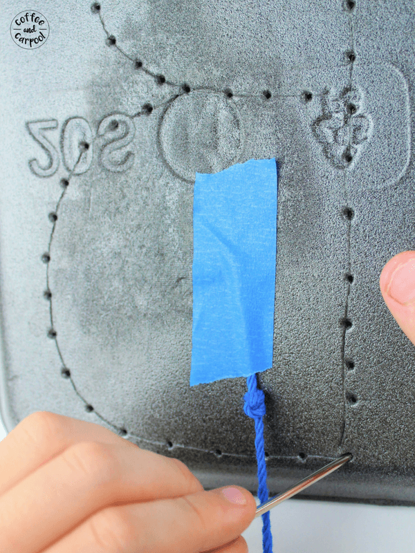 Teach Kids how to sew with this abc letter sewing craft #abc #learnletters #handsonlearning #learntosew #abccraft #lettercraft