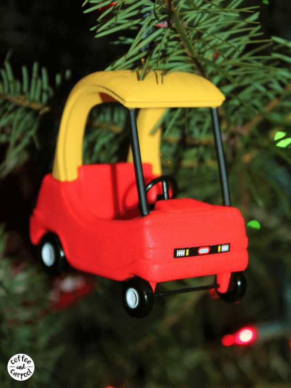Christmas tree and ornaments can help build family memories #familymemories #familytraditions #Christmastraditions #Christmasornaments #coffeeandcarpool