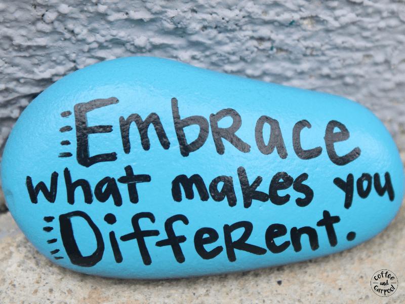 Kindness rocks help spread joy and happiness. #kindnessrocks #spreadkindness #bekind #raisekindkids #coffeeandcarpool