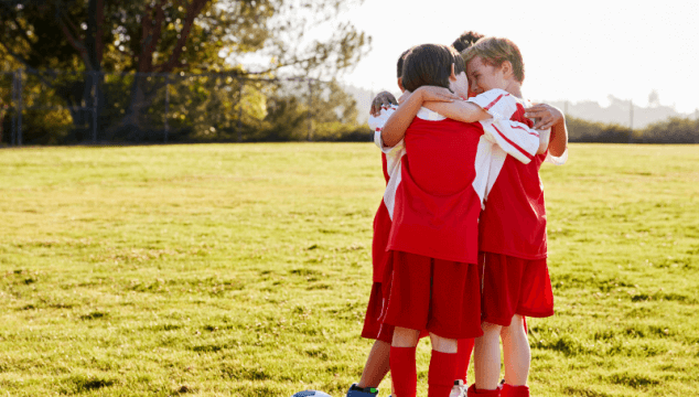 Good sportsmanship for kids and tips to be a good teammate. #goodteammate #kidatheletes #goodsportsmanship #kindkids #kindathletes #coffeeandcarpool #kindness #kindnessmatters