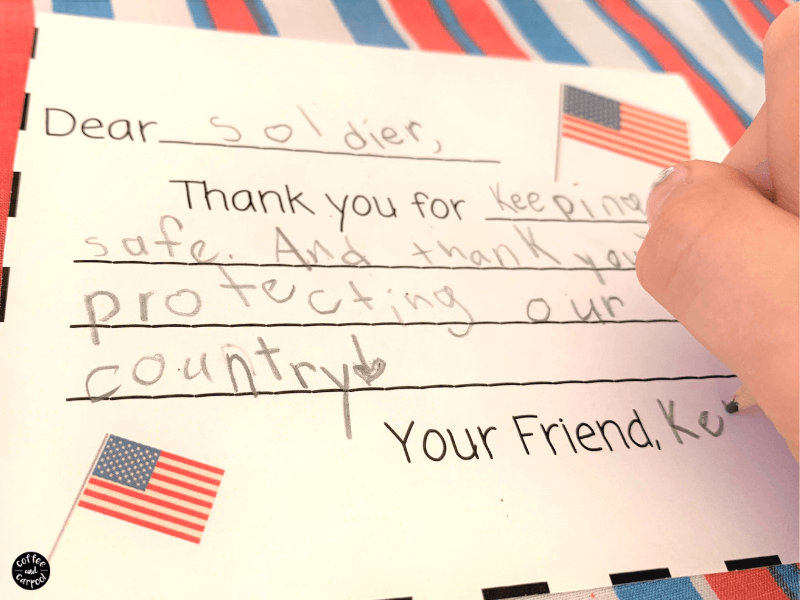 Spread kindness with this summer activity by writing letters to soldiers from kids. It's a great way to spend the 4th of July, Memorial Day or Veterans Day honoring and thanking our servicemen and women and veterans #summeractivitiesforkids #summeractivity #patriotic #4thofjuly #kindness #spreadkindness #freeprintable #letterstosoldiers #operationgratitude #coffeeandcarpool