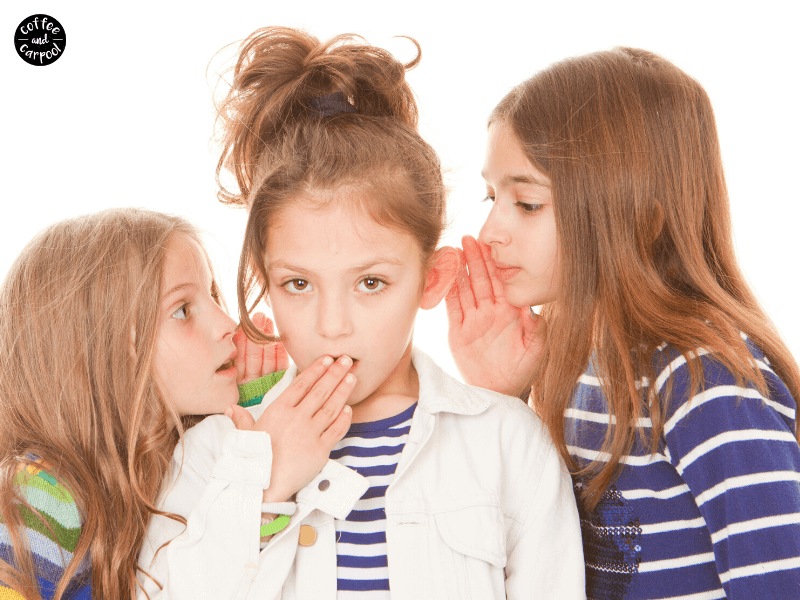 Tattling vs Telling and why our kids have to know the difference. This is how parents and teachers can explain the difference between tattling and telling #tattling #parentingtips #kindkids