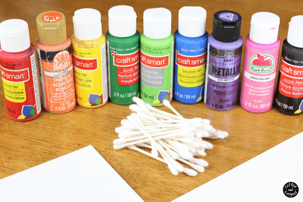 Celebrate Mother's Day with these Mother's Day cards that can also be painted on canvas to be homemade Mother's Day gifts that kids can make with pointillism. #mothersdaycards #mothersdaygifts #mothersdayartproject #mothersdaycardskidscanmake #mothersdaygiftskidscanmake #grandmothergifts