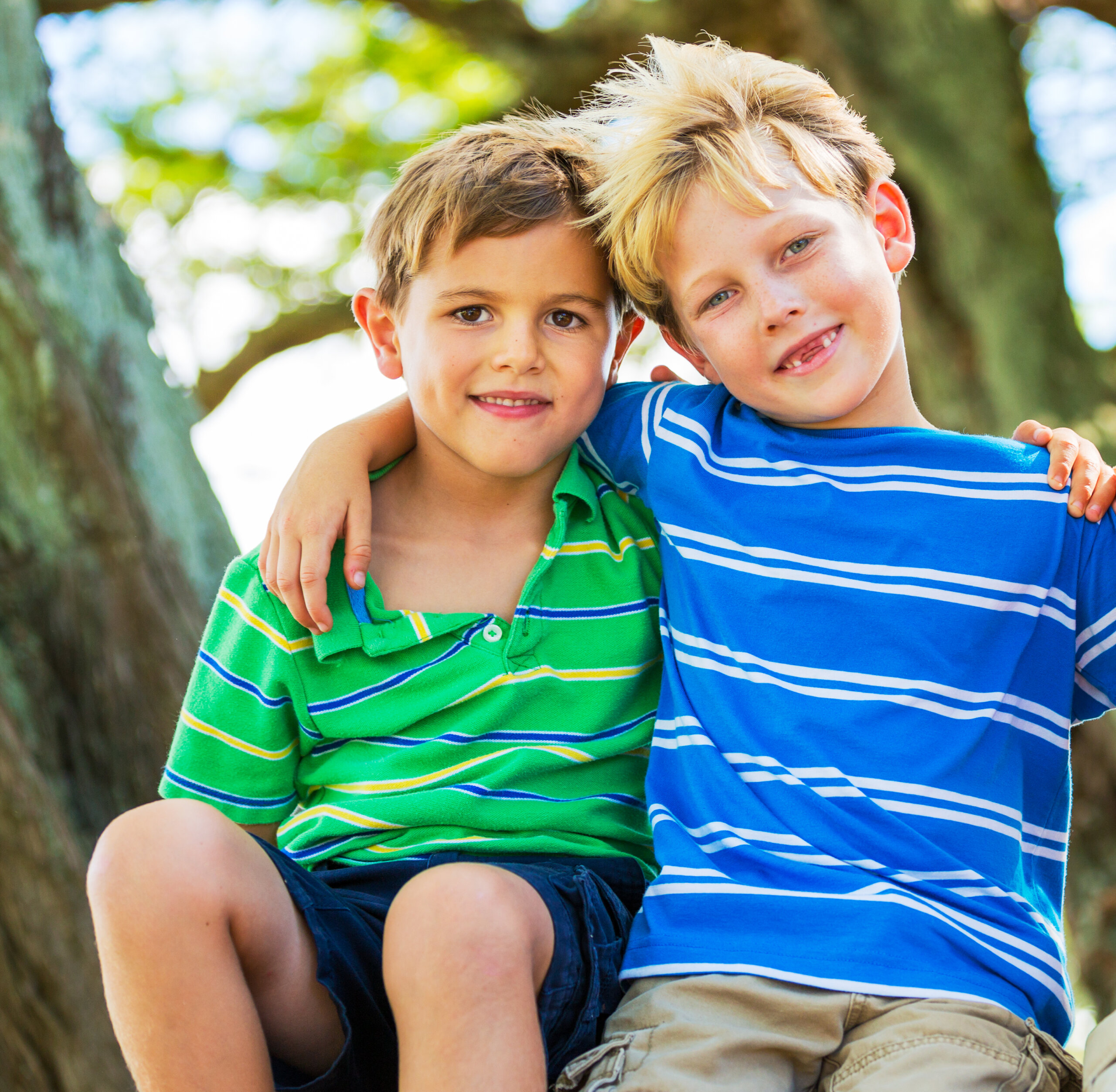 Help your kids decide for themselves who their good, real, true friends are with this friendship checklist to help them deal with friendship issues.