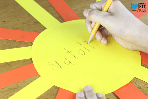 Use these compliment suns to help kids learn how to give classmates and friends compliments. It's the perfect kindness craft and friendship craft.