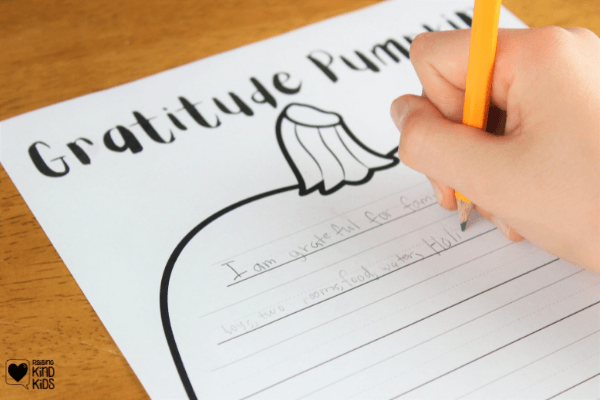 This Gratitude Pumpkin helps you write down and focus on what they're thankful and grateful for. This is a great Thanksgiving gratitude activity for classrooms and families